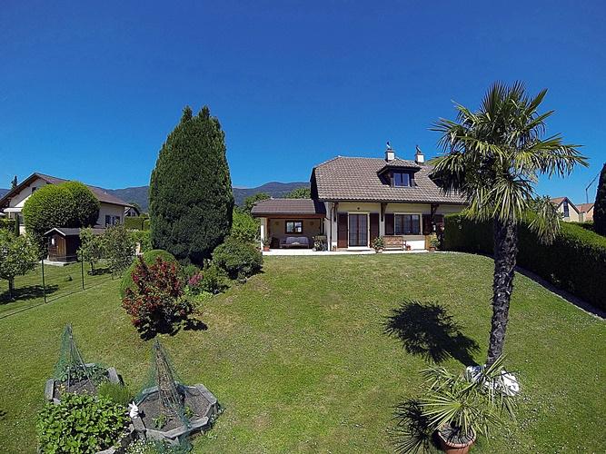 Baisse de prix!!! Sublime villa jumelle dans un quartier calme à Chéserex