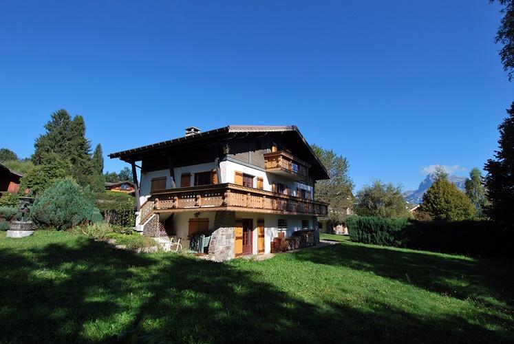 Très joli chalet avec vue sur le Mont-Blanc dans un quartier calme à Megève